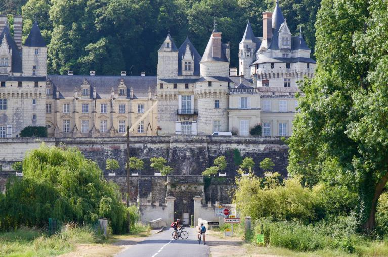 Cycling 'Pays des Châteaux' in Loire Valley